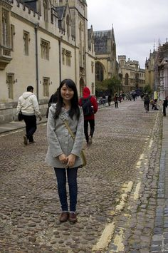 Tiffany, Foster Undergrad, travels the streets of Manchester, England where she is currently studying abroad