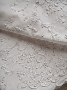 Cabin & Cottage : Just Linen. Pretty linens are essential to my home White Embroidery, Embroidery Patterns, Hand Embroidery, Antique Lace, Vintage Lace, Linens And More, Shabby, Heirloom Sewing, Fine Linens