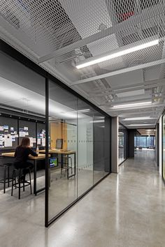Equity trading company IEX Group recently appointed architectural firm TPG Architecture to design their new office in New York City. Architecture Office, Architecture Design, Industrial Architecture, Building Architecture, Concept Architecture, Corporate Interiors, Office Interiors, Office Open Plan, City Office