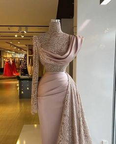 African Lace Dresses, African Fashion Dresses, Glam Dresses, Event Dresses, Stunning Dresses, Pretty Dresses, Dinner Gowns, Mode Outfits, Prom Outfits