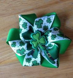 St Patty Twisted Flower Hair Bow - $4.00 www.facebook.com/treasuresbyhand