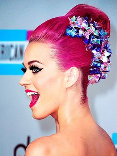 Katy Perry rocking a huge hair accessory!
