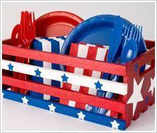 Fourth of July Picnic Crate | http://FaveCrafts.com