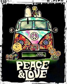 Hippie Love Fest ☮️ Charlie Brown, Snoopy and Woodstock Paz Hippie, Estilo Hippie, Hippie Peace, Happy Hippie, Hippie Love, Hippie Style, Hippie Things, Hippie Chick, Peanuts Cartoon