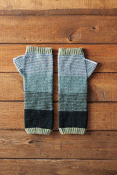 Lovely fingerless mitts