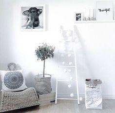 Cred: @mykindoflike ✨  _____________________ Thanks for using #whiteinterior   #interior #inspiration #interiorinspo #scandinavianhomes #skandinaviskehem #skandinaviskehjem #nordicinspiration #nordichomes #nordiskehjem #dailyinstainspo #dailyinterior #interior123 #interior2all #interior2you #interior4all #interiordesign #interiorforyou