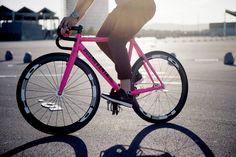 "bcnfixielab: "" Dosnoventa Houston Dosnoventa Lacoste LIVE & IDEP Barcelona Pic by Sara Morán #dosnoventa #lacostelive #idep #hed #houston #frame #fixedgear #pink #barcelona..."