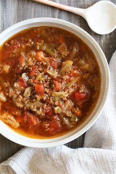 Chunky Beef, Cabbage and Tomato Soup (Instant Pot or Stove Top) I love this cabbage soup recipe, made with ground beef, vegetables and tomatoes. It's the perfect cold weather soup and makes enough for leftovers. Crock Pot Recipes, Beef Recipes, Cooking Recipes, Top Recipes, Cooking Games, Dinner Recipes, Turkey Recipes, Healthy Recipes, Easter Recipes