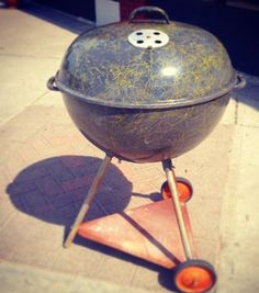"1956 ""Custom"" Chromoveil finish 22.5"" Weber kettle grill Weber Grills, Weber Bbq, Bbq Grill, Grilling, Weber Kettle, Charcoal Grill, Wok, 1950s, Outdoor Decor"