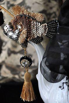 "Брошь ""Королевский карп"" - Katrina Mayzengelter - Ярмарка Мастеров http://www.livemaster.ru/item/5970683-ukrasheniya-brosh-korolevskij-karp"