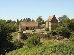 Château de la Forêt ►► http://www.frenchchateau.net/chateaux-of-centre/chateau-du-mont.html?i=p