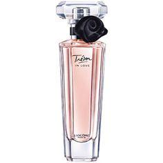 Trésor In Love - Lancôme - constituída por contrastes: um novo floral irresistível, composto por um toque de nectarina e madeira de cedro, uma rosa com personalidade e um jasmim luminoso.
