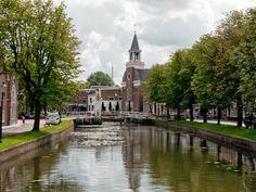 Een van de pittoreske watertjes in Weesp (Noord-Holland)