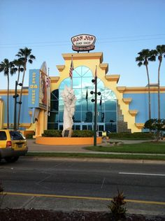 Top 10 Cocoa Beach attractions include Cocoa Beach Pier, Kennedy Space Center Visitor Complex, Cocoa Beach Skate Park, Ron Jon Surf Shop, Florida Surf Museum, Exploration Tower and others.