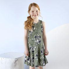 LYMY trikoomekko, vaalea oliivi - musta | NOSH verkkokauppa | Tutustu lasten kesän 2018 uutuuksiin! Ihastu lastenvaatteiden uusiin printteihin, malleihin ja väreihin. Tilaa omat suosikkisi NOSH vaatekutsuilla, edustajalta tai verkosta >> nosh.fi (This collection is available only in Finland)