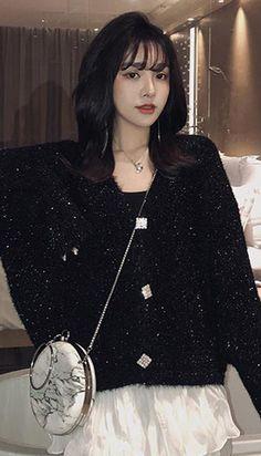 Street Style V-neck metallic oversized cardigan autumn winter Petite Clothing Online, Asian Street Style, Fall Winter, Autumn, Oversized Cardigan, Petite Outfits, Workout Wear, Shoulder Sleeve, Korean Fashion