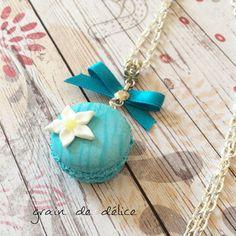 collier sautoir gourmand macaron turquoise : Collier par grain-de-delice