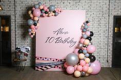 Фотозона с шарами на день рождения девочки | Фольгированные шары цифры | Pink grey beige balloon arch kids party ideas girl