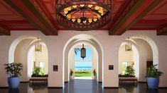 Escape to The Royal Hawaiian, a Luxury Collection Resort, Waikiki, a hotel on Oahu offering guests visiting Honolulu an immersive luxury experience. Honolulu Hotels, Hawaii Hotels, Hotels And Resorts, Best Hotels, Luxury Hotels, Pink Hotel, Premium Hotel, Waikiki Beach, Island Design
