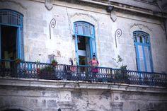 Carmen la Cubana  Femme à la fenêtre  #Cuba #LaHavane #Havane #Carmen #CarmenLaCubana #TheatreDuChatelet