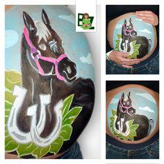 Ben jij helemaal weg van paarden? Buikschildering Zeeland maakt graag een buikschildering van een paard op jouw bolle buik. Geheel naar jouw wens. #bellypaint #bighumppaint #buikschildering #horse #black