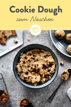 Cookie Dough selber machen – das Grundrezept ohne Ei - galletas - Las recetas más prácticas y fáciles Cookie Dough Vegan, Edible Cookie Dough, Chocolate Chip Cookie Dough, Pasta Party, Edible Cookies, Le Diner, How To Make Cookies, Snacks, Cookies Et Biscuits