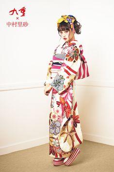 【公式】ブランド振袖 アムール Kimono Fabric, Kimono Dress, Kimono Style, Kimono Japan, Japanese Kimono, Traditional Fashion, Traditional Dresses, Geisha, Modern Kimono