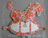 Veilleuse cheval à bascule et tissu liberty betsy fluo thé : Luminaires par comptoir-des-anges