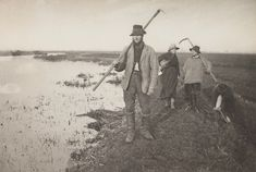"1887 ""Coming Home from the Marshes.""IMAGE: PETER HENRY EMERSON/ROYAL PHOTOGRAPHIC SOCIETY/SSPL/GETTY IMAGES"