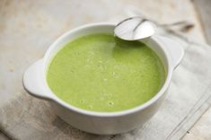 Asparagus soup recipe without cream Chocolate Chip Bread Pudding, Chocolate Chip Recipes, Dutch Recipes, Soup Recipes, Crock Pot Brot, Fresh Cheese Recipe, Sopa Detox, Healthy Cooking, Healthy Recipes