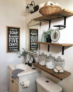 We can't get over the rustic charm of this vintage washroom. - Home Design Bathroom Wall Decor, Small Bathroom, Bathroom Ideas, Master Bathrooms, Bathroom Pictures, Downstairs Bathroom, Bathroom Inspo, Bathroom Layout, Bath Ideas