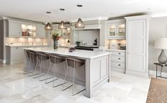 63 practical kitchen remodel ideas for inspiration and you will definitely like 33 - Luxury Kitchen Remodel Kitchen Diner Extension, Open Plan Kitchen Diner, Open Plan Kitchen Living Room, Kitchen Dining Living, Home Decor Kitchen, New Kitchen, Kitchen Ideas, Grey Kitchen Diner, Grey Kitchen Island