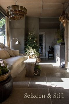 Understand Ins And Outs Of Tuscan Interior Decorating Making Use Of These Great Tips Gray Interior, French Interior, Beautiful Interior Design, Beautiful Interiors, Tuscan Decorating, Interior Decorating, Style At Home, Castle Stones, Belgian Style