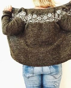 Ravelry 1900024829941461 - I started to knit this pattern along with my friend Karen Having other wips and a busy life, it took me the whole summer to knit it. Lovely cardigan, i just love the yoke part. Still needs some but… Source by Fair Isle Knitting Patterns, Knitting Stitches, Knit Patterns, Hand Knitting, Knitting Sweaters, Punto Fair Isle, Icelandic Sweaters, Cardigan Pattern, Knit Cardigan