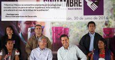 """El Presidente Enrique Peña Nieto ha señalado al populismo como """"un riesgo"""" por presentar """"soluciones fáciles"""" ante problemas complejos, justamente lo que miembros de su gabinete, e incluso él, han hecho con la entrega de dádivas en periodo preelectoral y mal gastando los recursos públicos, dijeron i"""