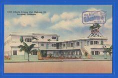 """Strictly Modern"" Hunt's Motel Apts Lynwood CA Vintage Linen Postcard Lynwood California, California Art, Northern California, Vintage Postcards, Vintage Photos, Streamline Moderne, Roadside Attractions, Motel, Hunting"