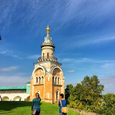 We drove 1100 kilometers through ancient towns and lovely forests, walked along mighty rivers and placid lakes, and began each evening with #vodka and #laughter in #Russia. #водкой. #travel #traveling #travelphotography #view #kremlin #amazingplace #architecture #history #roadtrip #wanderlust #Путешествие #вдохновение #замечательный #счастье #исследовать #destination #memories #photography #trip #experience