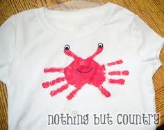 Handprint and Footprint Art : Super Cute Handprint Crabs {Round Up}