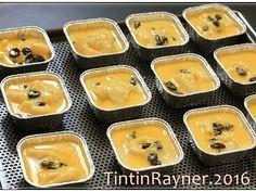 Schotel Peyeum/ Tape Manis yang super yummy & legit recipe step 4 photo Indonesian Desserts, Indonesian Food, Resep Cake, Bun Recipe, Recipe Steps, Custard, Hot Dog Buns, Muffin, Food And Drink