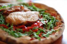 Lättgjord godaste pizzadegen - Recept - Tasteline.com Salmon Burgers, T Shirts, Italian Recipes, Food And Drink, Pizza, Sweets, Meat, Chicken, Ethnic Recipes