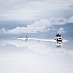 Salt Desert of Uyuni, Bolivia. Gorgeous.