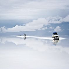 Salt Desert of Uyuni, Bolivia. Gorgeous.