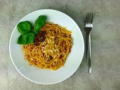 Grundrezept: Basilikum Pesto und Tomaten Pesto
