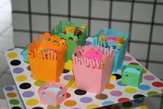 Cachepot colorido com balinhas e guloseimas #dogparty