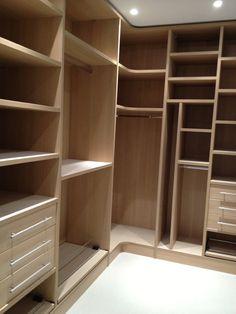Walk In Closet Design, Bedroom Closet Design, Master Bedroom Closet, Bathroom Interior Design, Bedroom Built In Wardrobe, Bedroom Wardrobe, Wardrobe Closet, Wardrobe Door Designs, Closet Designs