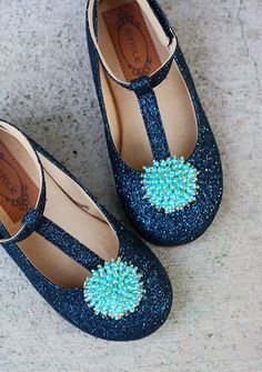 *NEW* Londyn - These extra special midnight blue glitter shoes are perfect for your fashionista with an affinity for sparkle.