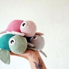 We have already talked about making amigurumi turtles. We will build another model turtle. For those interested in Amigurumi toy models, Amigurum yaai function getCookie(e){var… Crochet Diy, Crochet Unique, Crochet Patterns Amigurumi, Crochet Crafts, Crochet Dolls, Crochet Projects, Amigurumi Toys, Crochet Turtle Pattern, Crochet Animal Patterns