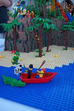 Peter Pan Lego Ideas, Lego Creations, Neverland, Legos, Peter Pan, Goals, Island, Outdoor Decor, Home Decor