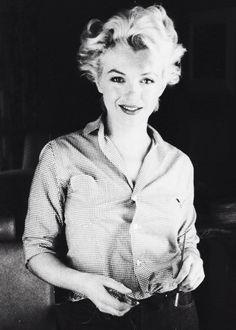 """ Marilyn Monroe photographed Milton Greene, 1954. """