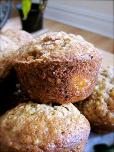 Healthy On-The-Go Breakfast or Snack: Banana Walnut Quinoa Muffins Quinoa Muffins, How To Cook Quinoa, Cupcakes, Healthy Snacks, Healthy Recipes, Crockpot Recipes, Breakfast Recipes, Banana, Favorite Recipes